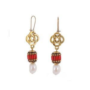 Σκουλαρίκια μακριά BOHO με κόκκινο έθνικ στοιχείο & πέρλα